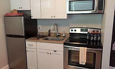 Kitchen, 76 Nassau St, 1