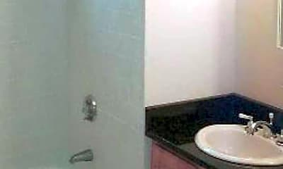 Bathroom, 107 Queensberry Street Apartments, 2