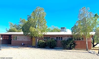 Building, 6951 E 2nd St, 2
