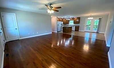 Living Room, 154 River Cliff Blvd, 1