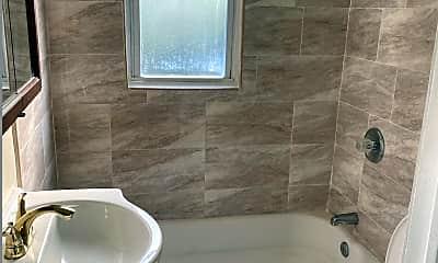 Bathroom, 114 Hawthorne Ave, 2