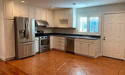 Kitchen, 928 Valencia St, 0