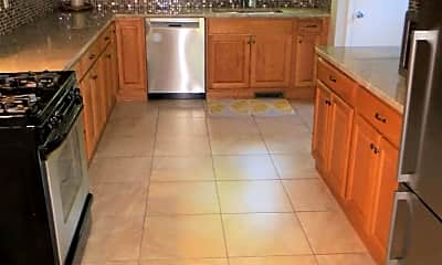 Kitchen, 125 19th Ave N, 1