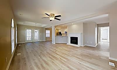 Living Room, 139 Clearwater Dr, 1