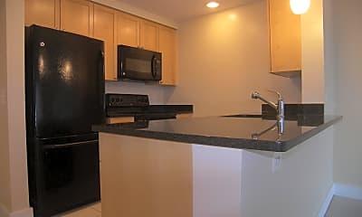 Kitchen, 2001 15th St N 902, 1