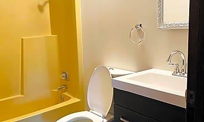 Bathroom, 3633-3639 N 6th St, 1