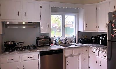 Kitchen, 5 Delsea Dr S, 1