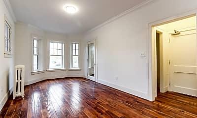 Living Room, 665 W Willis St, 1