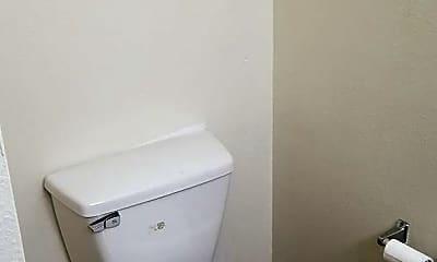 Bathroom, 2204 N Tucker Ave, 2