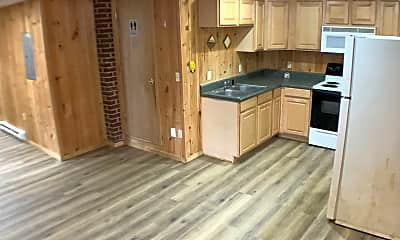 Kitchen, 2370 Walnut Ave, 2