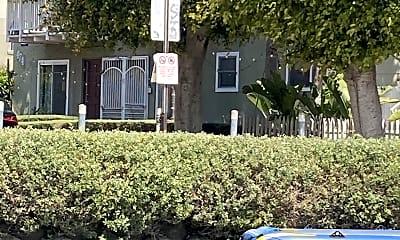 Building, 474 Sherman Ave, 2