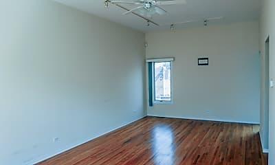 Living Room, 1151 W Eddy St, 1