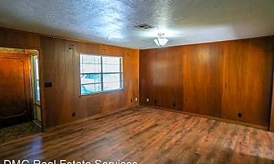 Living Room, 1401 Garfield Ave, 1