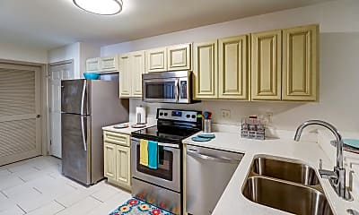 Kitchen, College Center Apartments-Per Bed Leases, 0