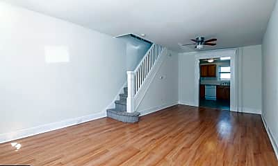 Living Room, 715 Watkins St, 1