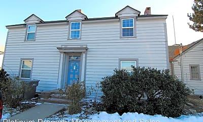 Building, 1405 Maple St, 1