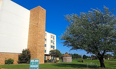 MEADOWS Point Apartments, 2