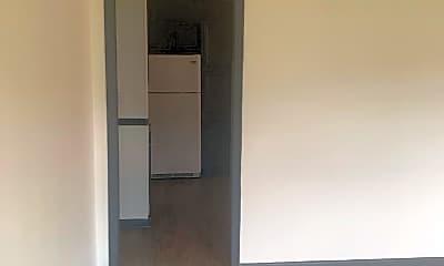 Bedroom, 810 N Germantown Rd, 1