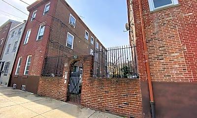 Building, 944 N Orianna St, 1