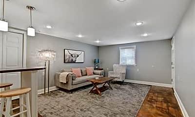 Living Room, 4200 Jena St, 1