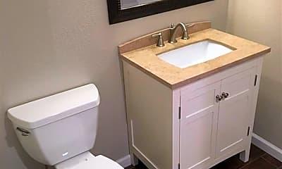 Bathroom, 805 Roberts St B, 2