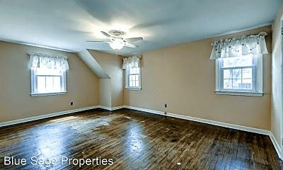 Living Room, 243 Franklin Ave, 2