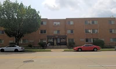 Atrium Apartment Homes, 1