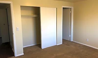 Bedroom, Braewood, 2