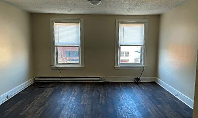 Living Room, 428 W King St, 1