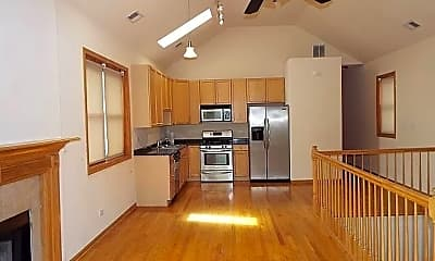 Kitchen, 1471 E 69th St, 1