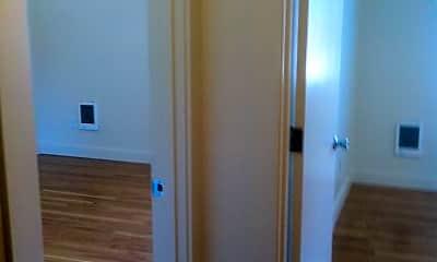 Living Room, 2801 N Ainsworth St, 1