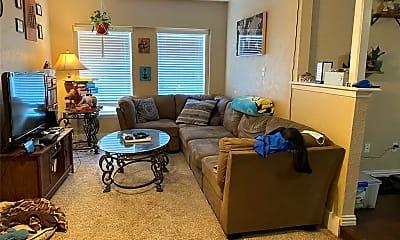 Living Room, 1434 Greencove Dr, 1