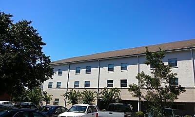 Baptist Oaks Apartments, 0