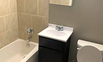 Bathroom, 1777 E Livingston Ave, 2