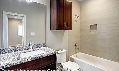 Bathroom, 3241 Dixie Dr, 2