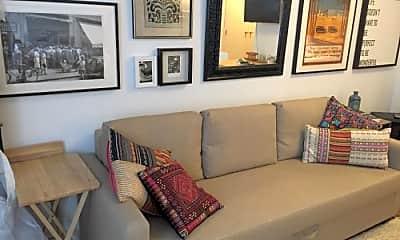 Living Room, 125 W 126th St, 1