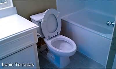 Bathroom, 1509 Oneil St, 2