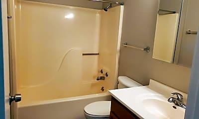 Bathroom, 1002 SE Belmont Dr, 2