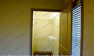 Bathroom, 319 Trista Ln, 2