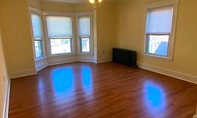 Living Room, 10 Maple St, 0