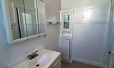 Bathroom, 2936 Polk St, 2