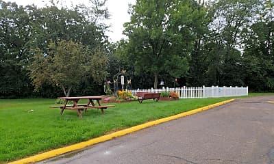 Oak Ridge Manor, 2