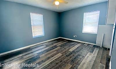 Bedroom, 806 N Detroit Ave, 1