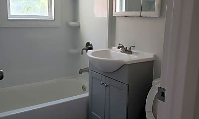 Kitchen, 312 Shoshone St E, 2