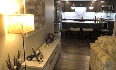Kitchen, 2075 Lafayette Rd, 2
