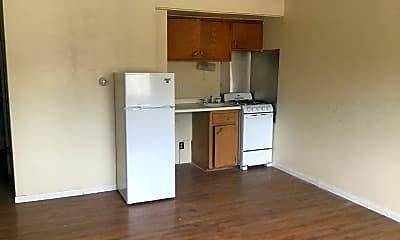 Kitchen, 2528 W Wells St, 0