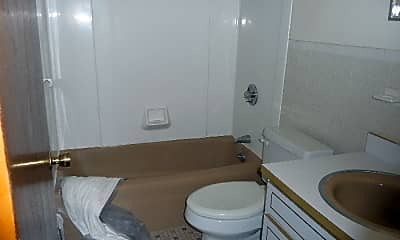 Bathroom, 138 Harvard Street, 2