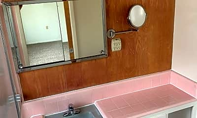 Bathroom, 1835 Noriega St, 2