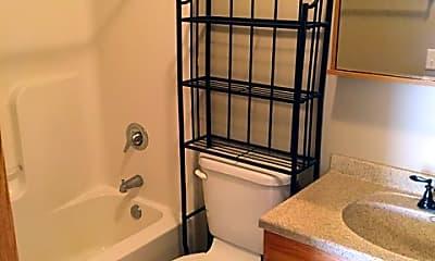 Bathroom, 4046 Central Ave, 2