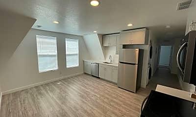 Living Room, 356 University St E, 0